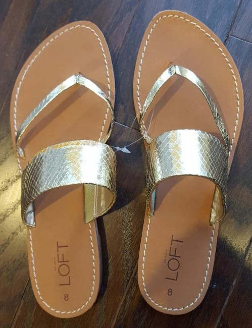 Item - Gold Sandals Size US 8 Narrow (Aa, N)