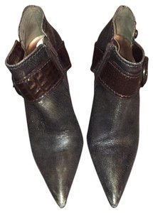 Carlos Santana bootie. Three inch heel. Great shape! Boots