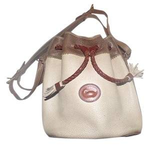 Dooney & Bourke 'teton' Style Excellent Condition Early Drawstring Top High-end Bohemian Cross Body Bag