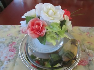 10 Tea Cup Centerpieces