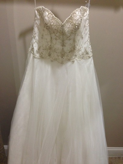 Essense of Australia All Ivory Tulle Over Satin D1715 Traditional Wedding Dress Size 14 (L)