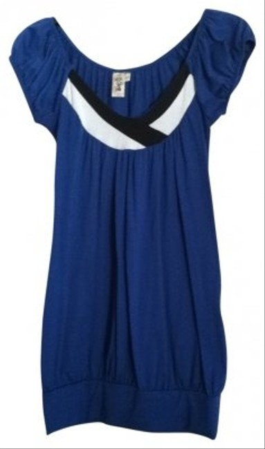 Preload https://item5.tradesy.com/images/l8ter-blue-tunic-size-6-s-17399-0-0.jpg?width=400&height=650