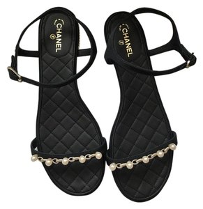 Chanel Size 38.5 Pearl Thongs black white Sandals