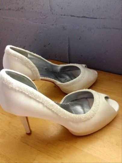 White Satin Upper Sequin Pumps Size US 9
