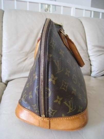 Louis Vuitton Double Roll Handles Double Zipper Opening Most Popular Design As The Speedy Satchel