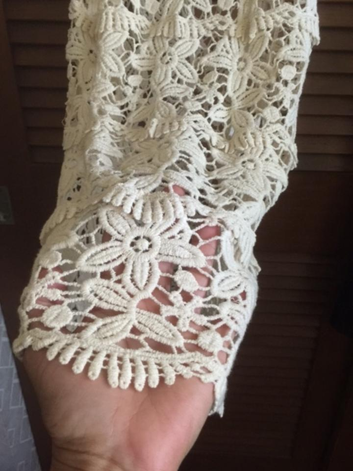41b2bf33c96 Cream Lace Camisole Tank Top/Cami Size 6 (S) 44% off retail