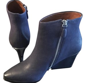Boutique 9 Navy Boots