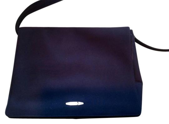 Preload https://img-static.tradesy.com/item/1740852/salvatore-ferragamo-laptop-black-canvas-cross-body-bag-0-0-540-540.jpg