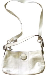 Coach F15141 Signature Pet/smoke Free Patent Leather Swingpack Cross Body Bag