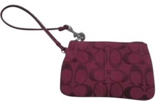 Coach Wristlet in dark red