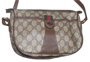 Gucci Gold Hardware Accessory Col Shades Of Red/green Accent Cross Body Bag