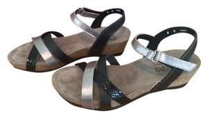 Munro American Narrow Gladiator Wedge Cork Black multi leather Sandals