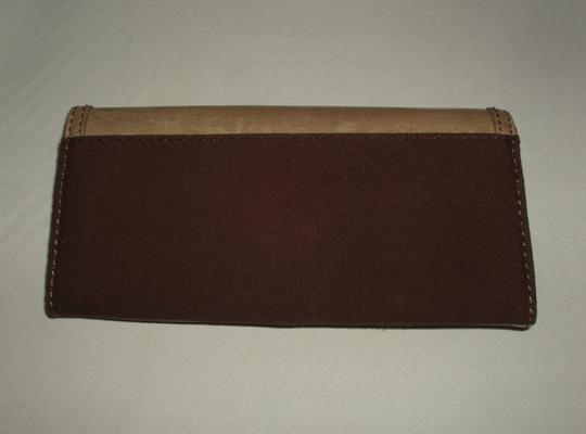 Hobo International Hobo International Taupe Leather & Brown Cloth Retractable Strap Wallet NEW