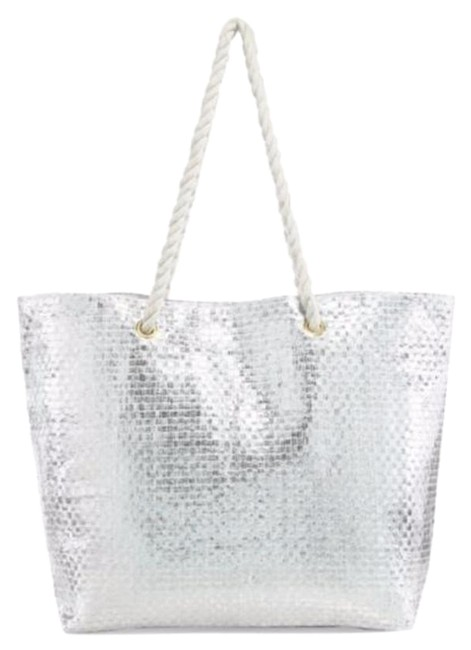 Item - **brand New** Metallic Weight Silver Bag with White Handles Straw/Foil Tote