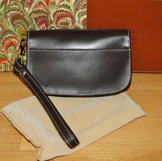 Dooney & Bourke Alto Leather Leather Box Wristlet in Brown T'Moro Image 5