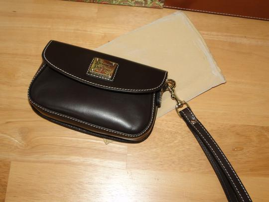 Dooney & Bourke Alto Leather Leather Box Wristlet in Brown T'Moro Image 8