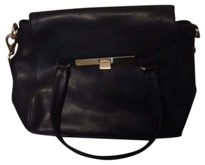 C. Wonder Satchel in Black