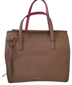 Salvatore Ferragamo Luggage Tan Travel Pebbled Leather Tote in Nutmeg