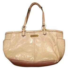 Coach Leather Gold Used Tote in White