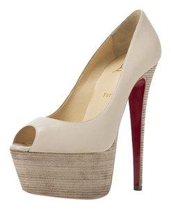 Christian Louboutin Victoria NUDE Pumps