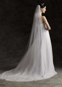 David's Bridal Ivory Long Chapel Length #669 Bridal Veil