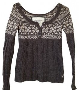Abercrombie & Fitch Sits Off The Shoulder Sweater