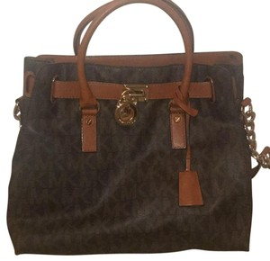 MICHAEL Michael Kors Satchel in Brown/tan