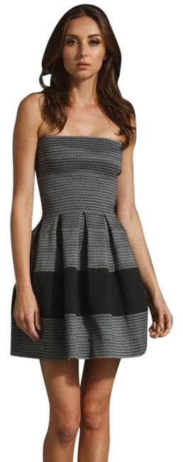 Item - Black Grey Bandage Petticoat Petti Pleated Fit Flare Skater A-line Strapless Mini Contrast Colorblock Above Knee Night Out Dress Size 2 (XS)