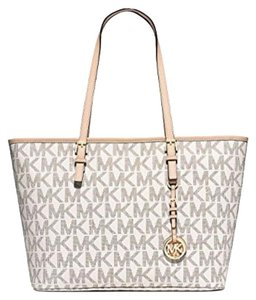 Michael Kors Michael Jet Set Travel 888235578255 Tote in Vanilla signature