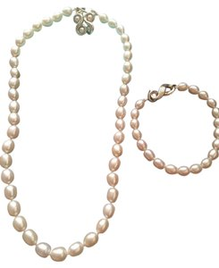 Tiffany & Co. Tiffany & Co. Oval Cultured Freshwater Pearl Set