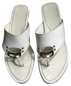 Tod's Tod's white leather thong sandals Sandals