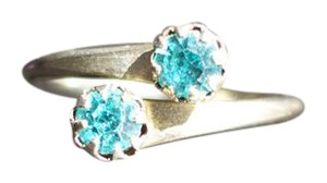 Vintage Vintage Turquoise Colored Stone or Glass Ring - Size 6.75 - item med img