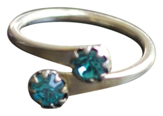 Vintage Vintage Turquoise Colored Stone or Glass Ring - Size 6.75