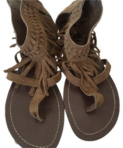 Minnetonka Tan Sandals