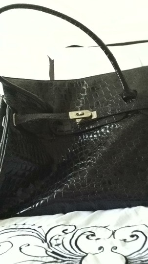 Unknown Tote in black
