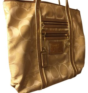 Coach Tote in Gold