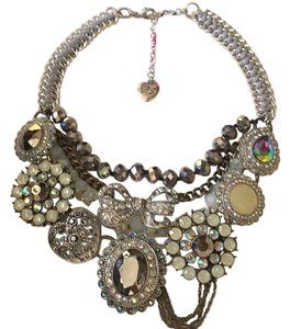 Betsey Johnson Multi Row Statement Necklace Bow Pendant Crystals Whiteout