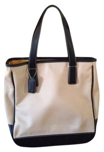 Coach Black And Whilte 2 Casual Black Mini Tote in Black white