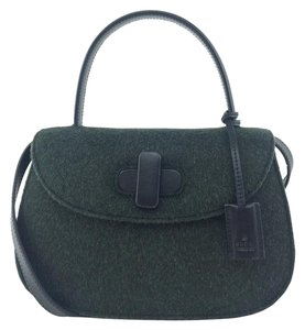 a9fa903676a Added to Shopping Bag. Gucci Shoulder Bag. Gucci Classic Leather Top Handle  ...