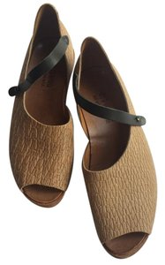 CYDWOQ Leather Super Comfortable Tan w/black Sandals
