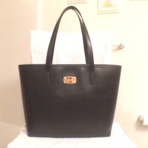 Michael Kors Satchel Leather Handbag New Tote in Black