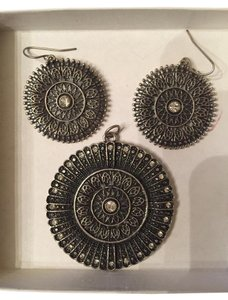 Christopher & Banks Earring and Pendant Set