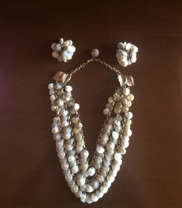 Hawaiian 3 Tier Necklace And Clip-on Earring Set