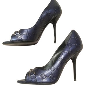 Gucci Indian Blue Metalic Pumps