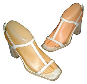 CoSTUME NATIONAL Stacked Heel Square Toe Casual Leather White Sandals