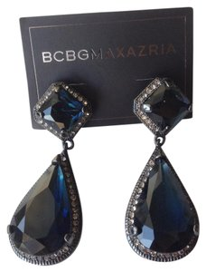 BCBGMAXAZRIA Black chandelier earrings