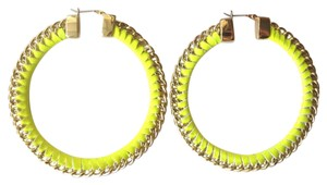 BCBGMAXAZRIA Yellow gold color hoop earrings