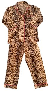 BedHead Brand New Leopard Pajamas Size Medium