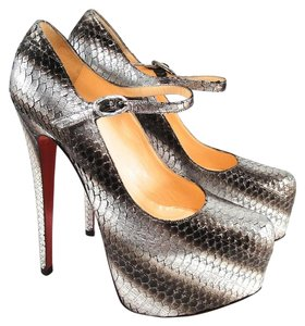 Christian Louboutin Lady Daf silver Pumps