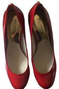 MICHAEL Michael Kors Red Pumps